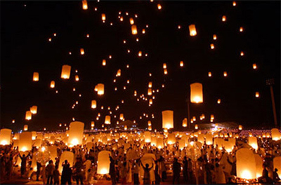 Fly Me To The Moon! Spectacular Chinese Lanterns