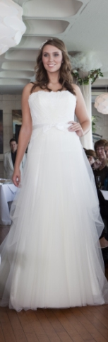 Waterside Wedding Venue showcases Gorgeous Gowns