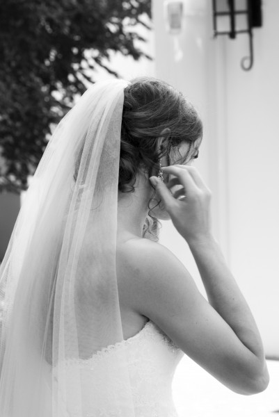 Wedding Dresses, Budgets and Nosy Parkers