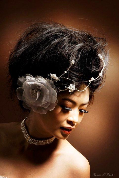 Photo Crush: Messy Wedding Hair