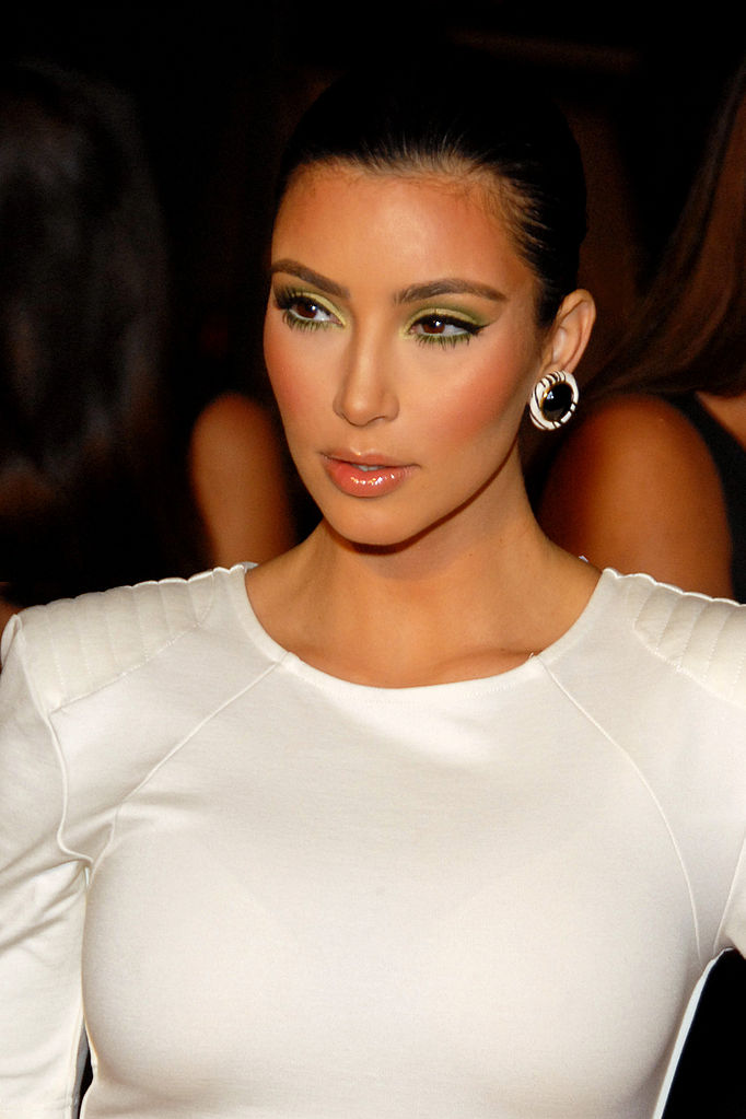 Kim Kardashian Sets us Straight on Wedding Plans