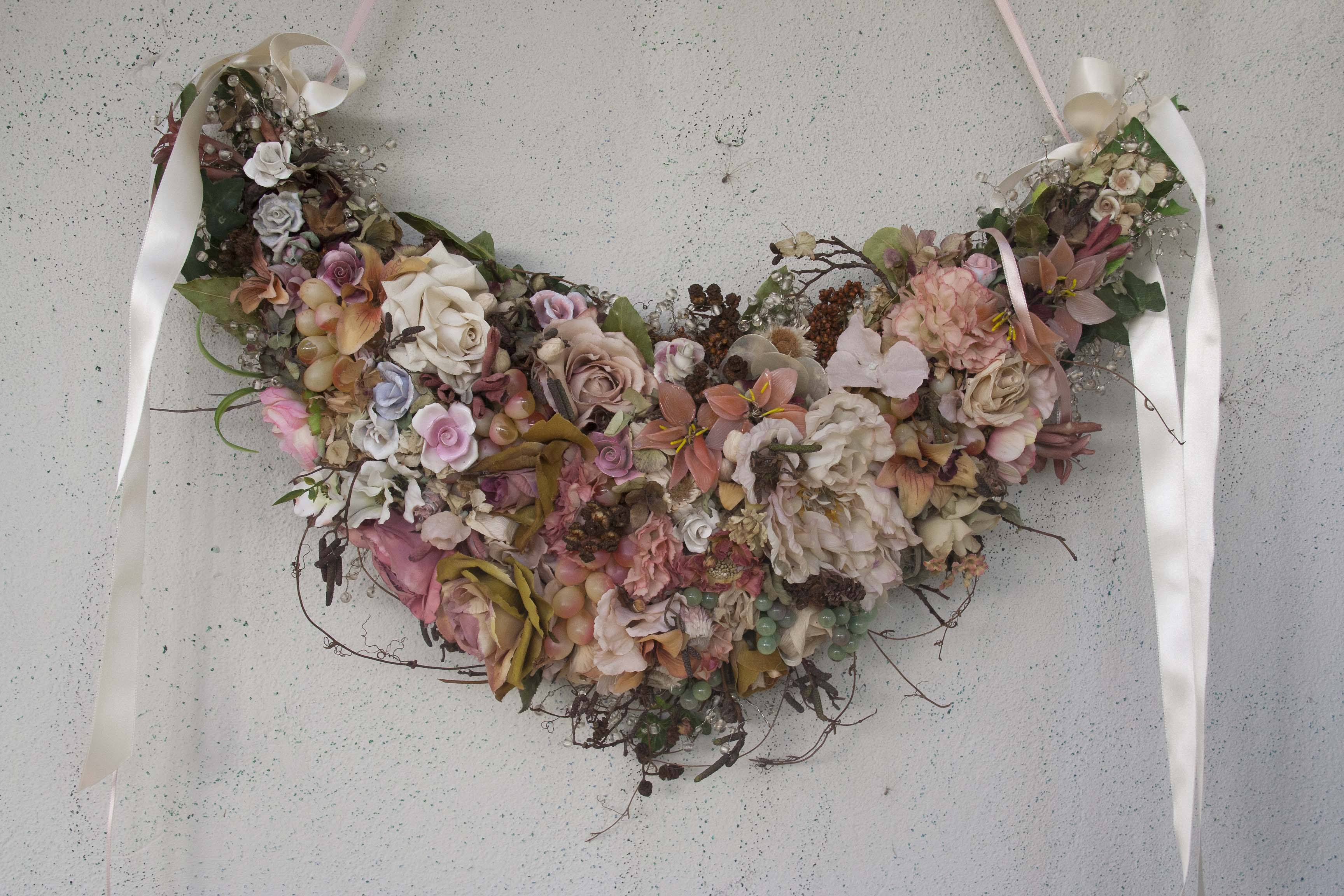 Romantic Hedgerow Garlands by Maria Aida