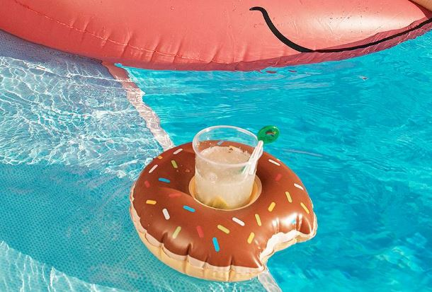 Donut Drink Holder Pool Float Set - Urban Outfitters, £19.00