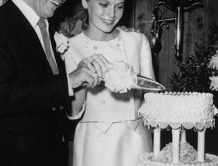 throwback thursday mia farrow frank sinatra