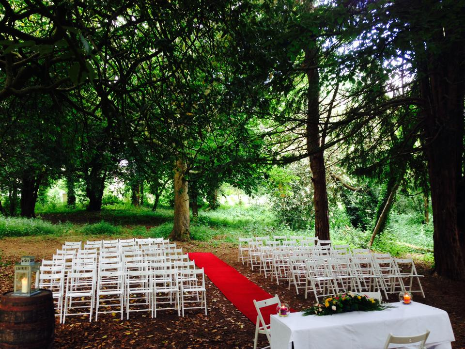 Looking For An Outdoor Wedding Ceremony? You'll Love This!