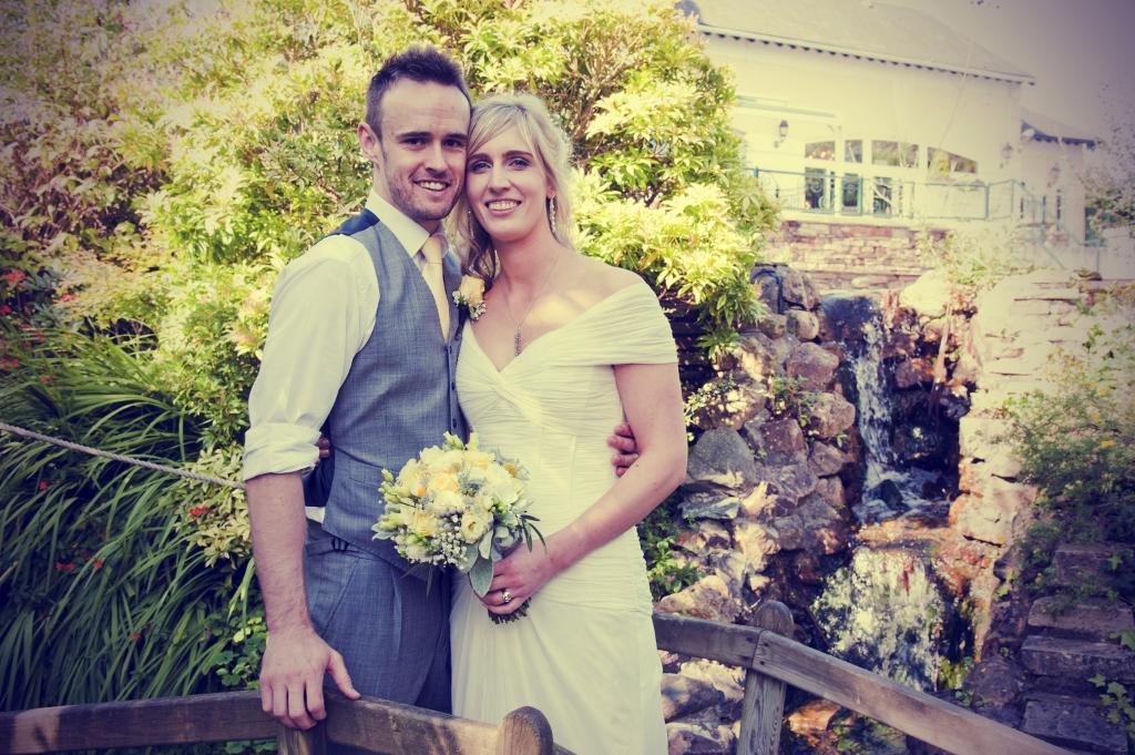 Michaela & Graham's Sunny Summer Wedding