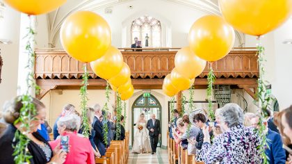 Hot Trend: 13 Times Balloons Slayed At Weddings