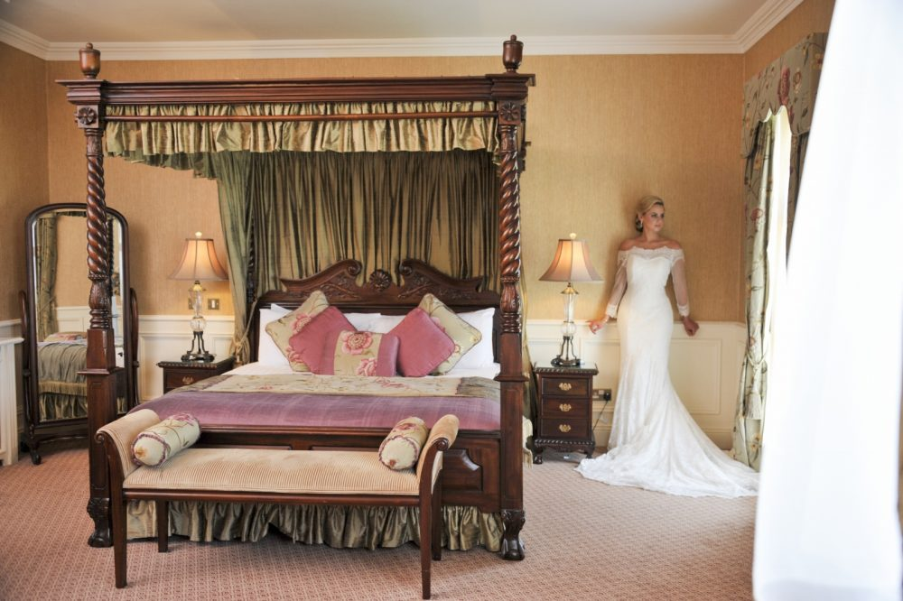 Bride_&_Four_Poster_bed©_Thomas_Sunderland_Photography93_1 (1600x1065)