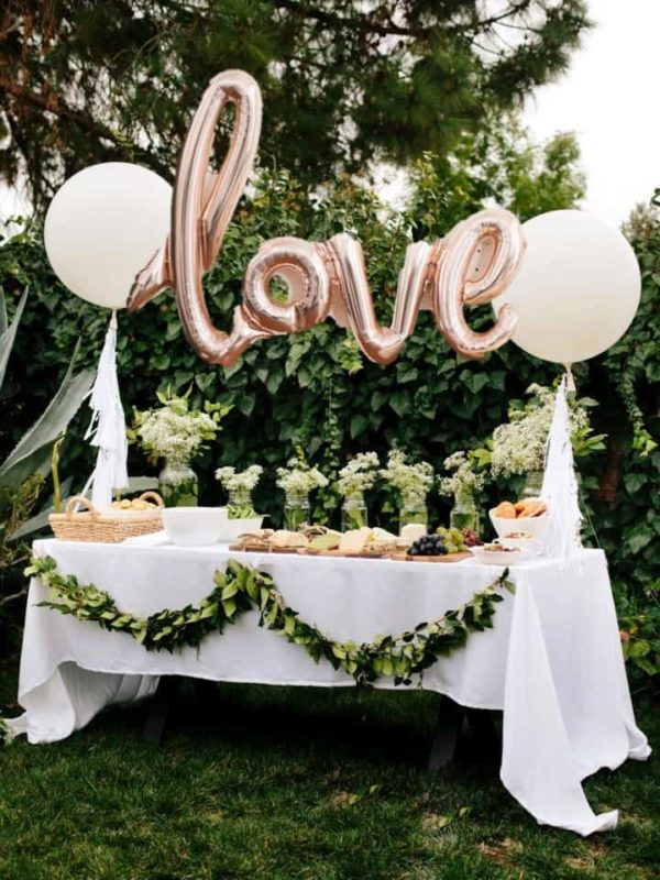 Shopping-Etsy-for-Your-Wedding-Love-Balloon