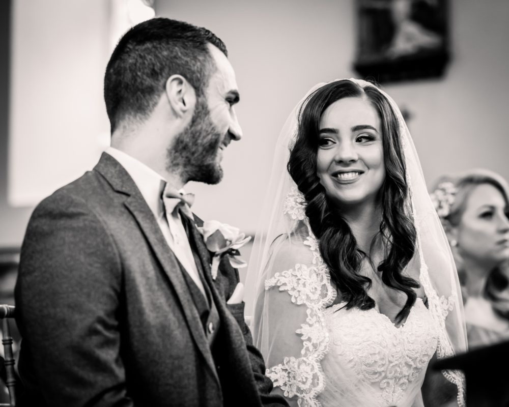 Amie&MarkWeddingDay140418-143 (2000x1600)
