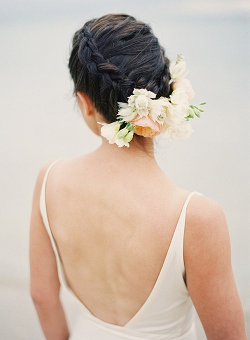 blogs-aisle-say-blushing-bride-proteas-hair-flower