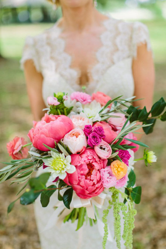 southern-wedding-hot-pink-bouquet