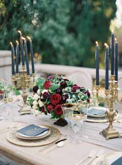 berry-red-and-luxurious-navy-wedding-colour-scheme-for-autumn-weddings-13