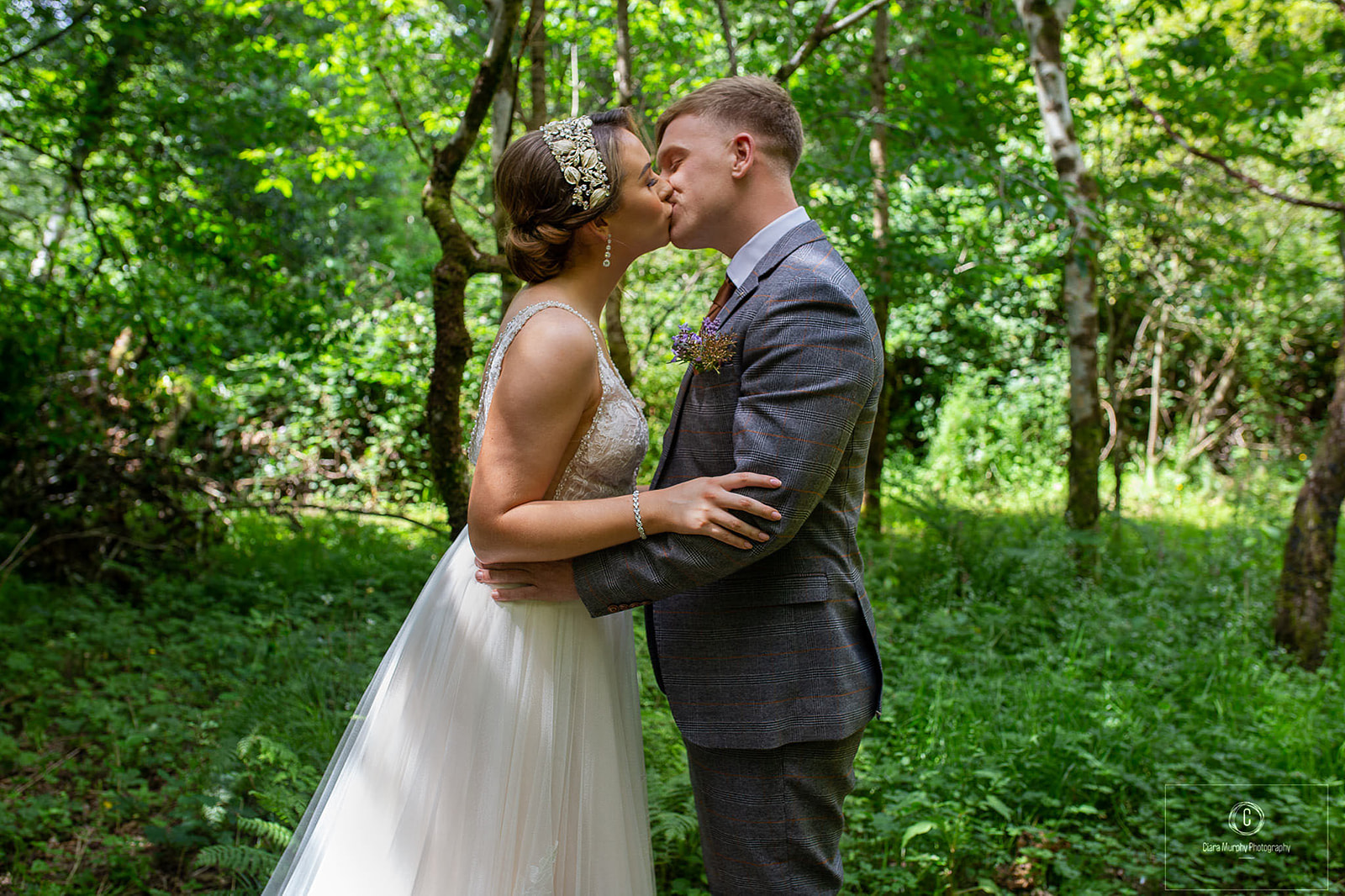 CORK WEDDING SUPPLIERS TEAM UP FOR A MAGICAL WEDDING SHOOT IN THE HEART OF WEST CORK