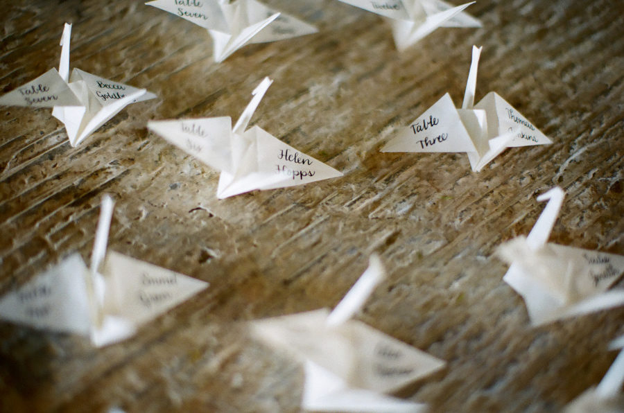 These DIY Seating & Escort Cards Are Embellished With GRASS! | 596x900