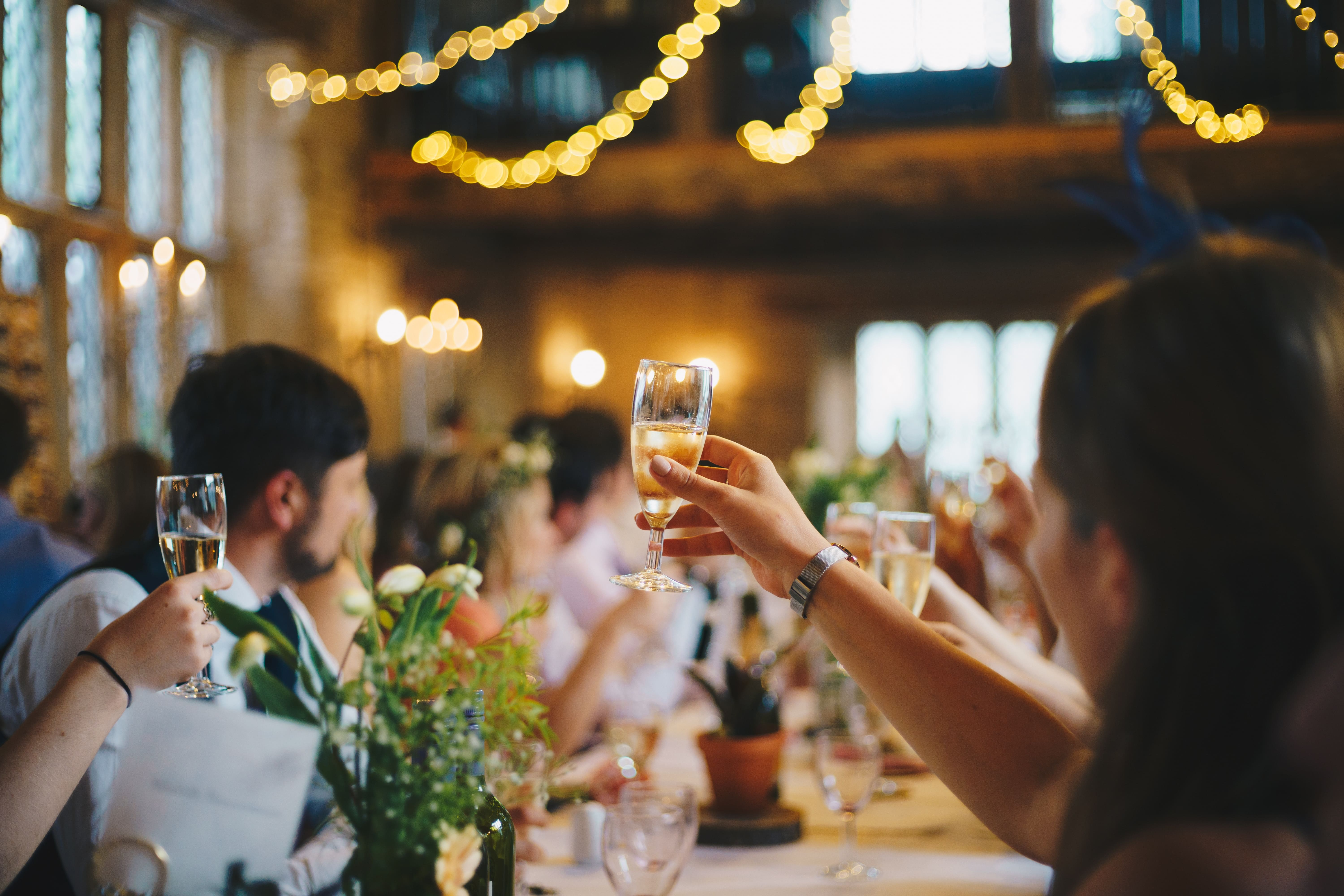 7 Tips for Hosting Out-of-Town Wedding Guests