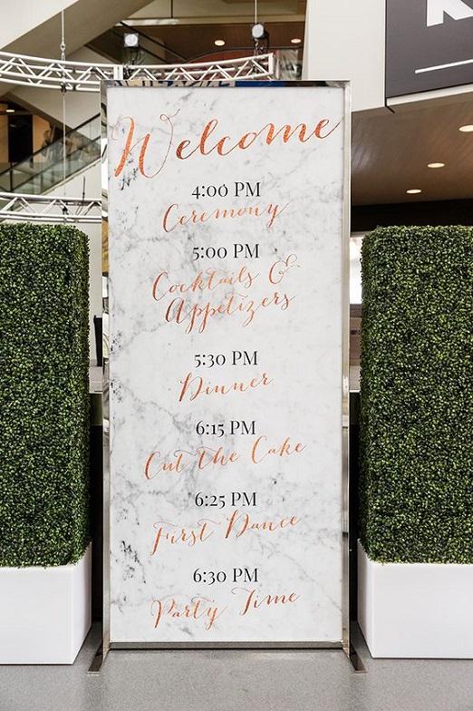 17-übergroße-Marmor-Hochzeit-Programm-mit-Kupfer-Kalligraphie