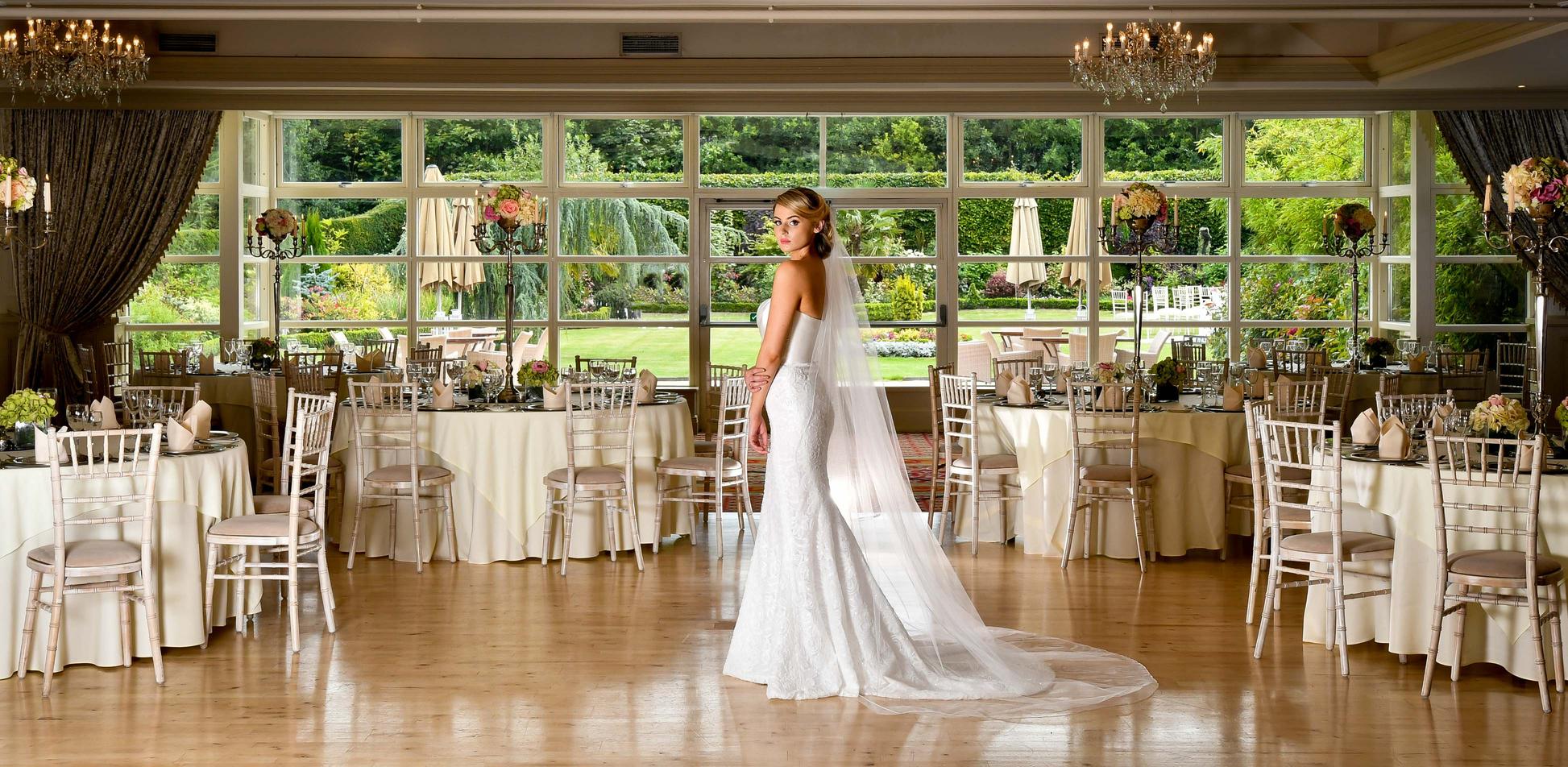 Ballroom with Chivari Chairs main shot